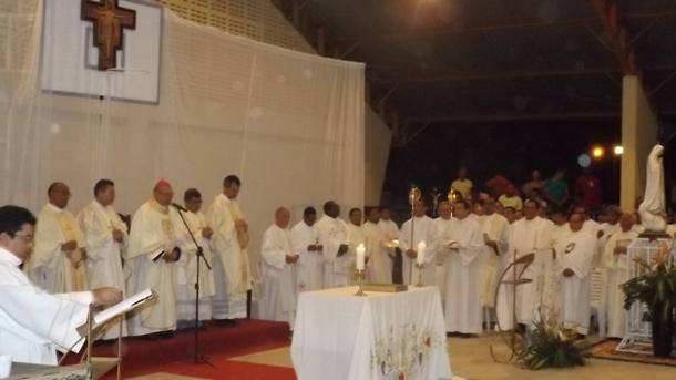 Em grande cerimônia Nivaldo é ordenado Padre e Agricolândia vira paróquia