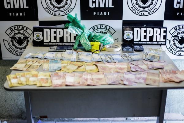 Traficante é preso com drogas e dinheiro em Água Branca