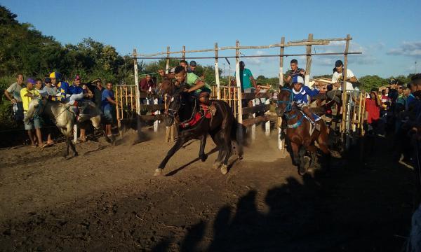 Corrida de Cavalo movimenta Festejo de Pitombeira