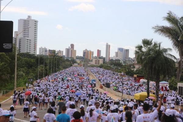 Caminhada da Fraternidade encerra público calculado em 65 mil pessoas