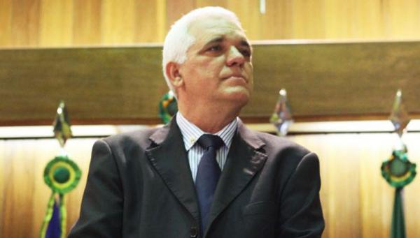 Disputa do PMDB pela vaga de vice será no voto