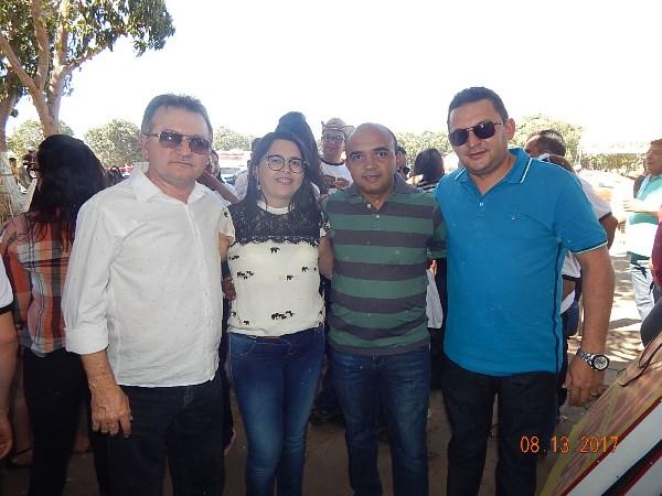 Prefeitos da AMPAR e varias autoridades participam da cavalgada de Agua Branca