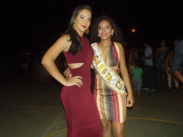 Vitória Layze garota CETI João Ferry 2016 e Debora Maria de 17 anos Recebendo a Faixa de garota CETI João Ferry 2017