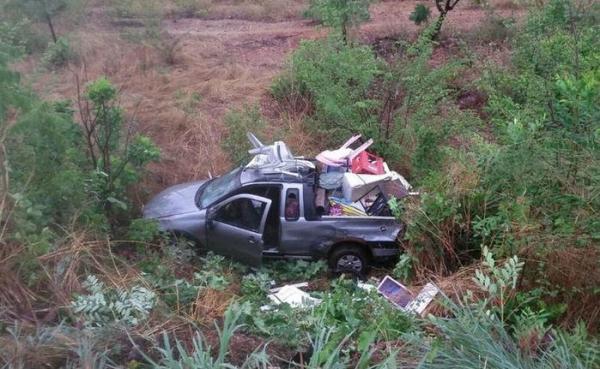 Acidente com caminhão-tanque deixa um morto e 3 feridos na BR-316