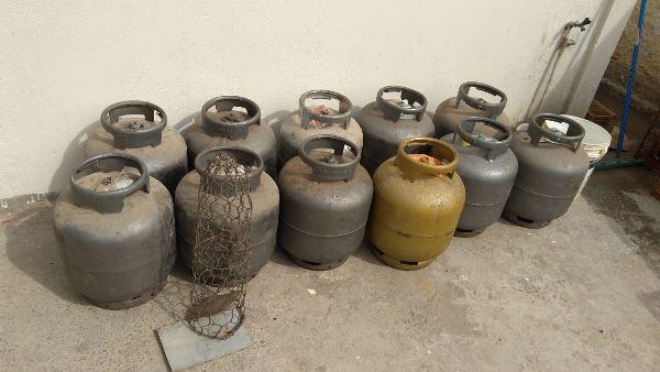 Policia prende homem por tráfico de Drogas e descobre Deposito Clandestino de Botijão de Gás