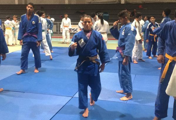 Sarah Menezes inicia treinos com a seleção para disputa do Grand Slam de Paris