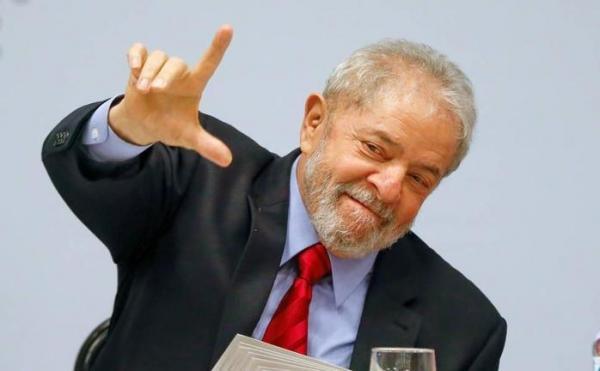 Datafolha indica Lula com até 37% das intenções de voto