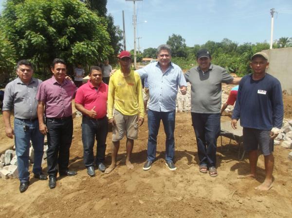 Prefeito Walter Alencar e Deputado João Madison Visitam Obras em Agricolândia