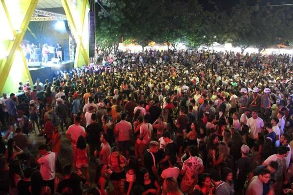 Veja como foi a segunda noite do Carnaval de Agua Branca