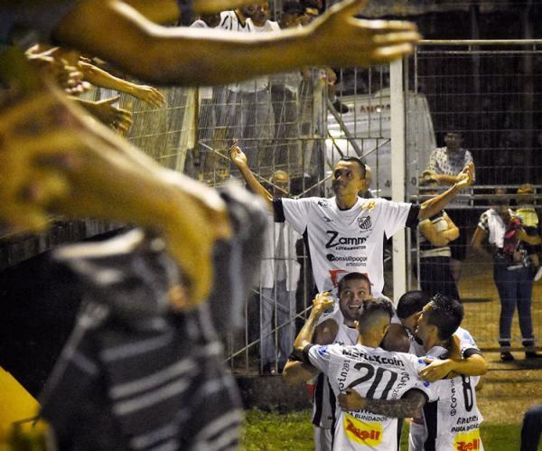 Gol aos 49 minutos do segundo tempo elimina Altos na Copa do Brasil