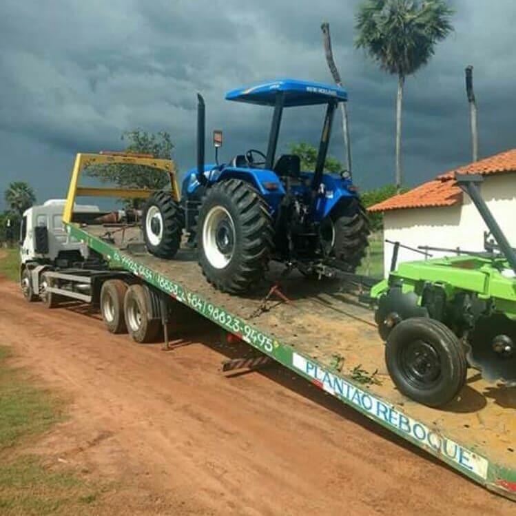 Deputado João Mádison entrega Trator todo equipado para a População de José de Freitas