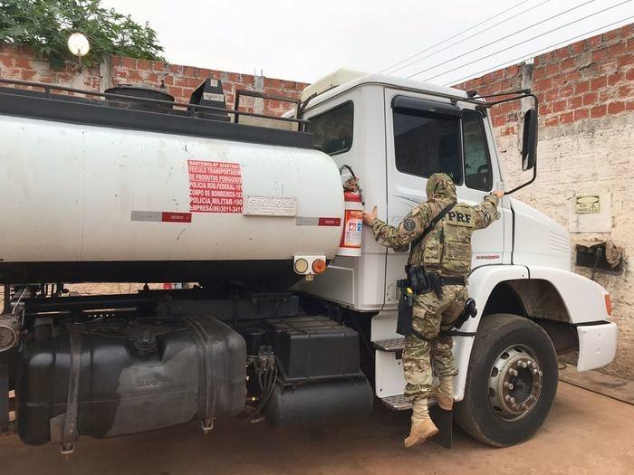 PRF faz operação para prender quadrilha por desvio de combustível