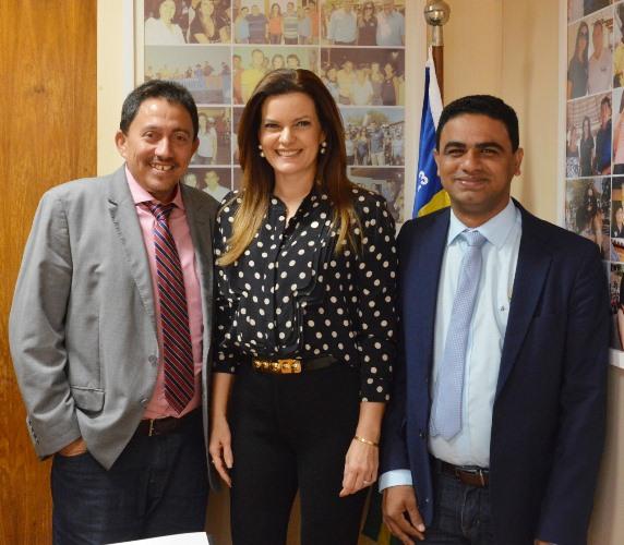 Prefeito Walter Alencar é recebido no gabinete da dep. Iracema Portella em Brasília