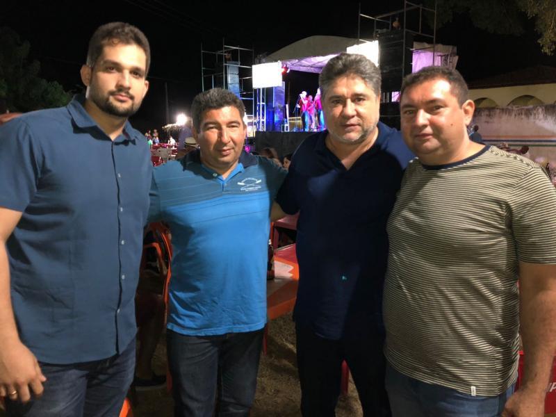 Deputado João Madison Nogueira Visita Comunidade Santo Antônio em Agua Branca