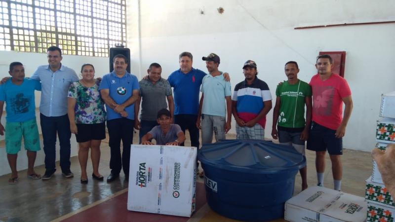 Deputado João Madison entrega Kits de Irrigação para Agricultores de Lagoa do Piauí
