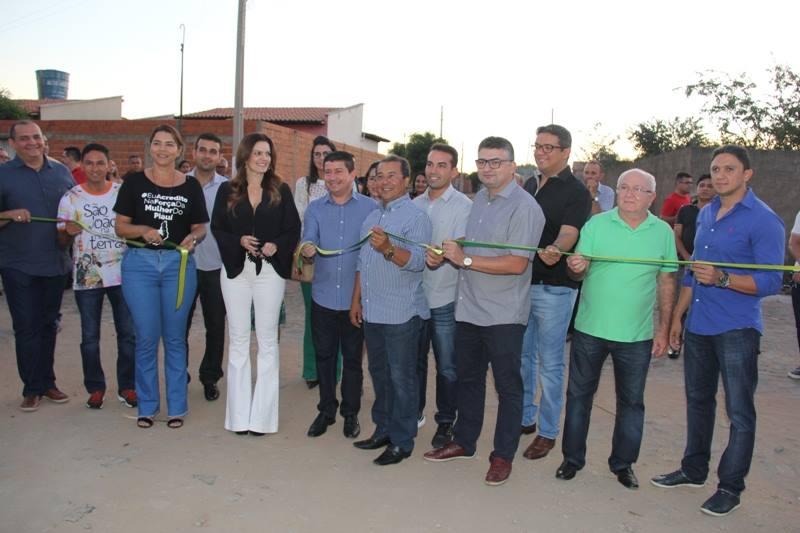 Prefeito Jonas Moura Inaugura Obras na cidade de Agua Branca