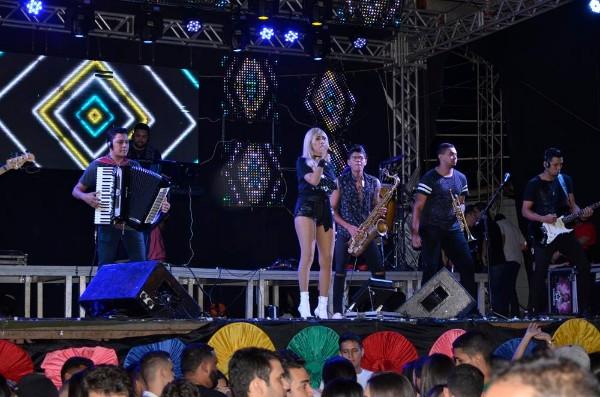 64 Anos de Agua Branca é Comemorado com Show da Banda Parangolé