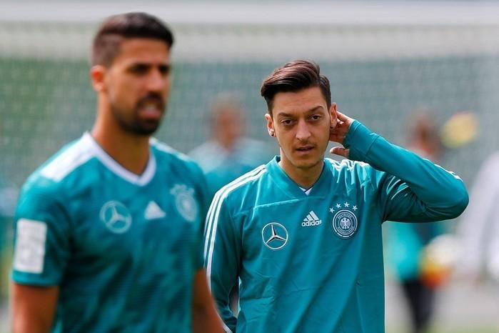 Presidente do Bayern detona Özil: