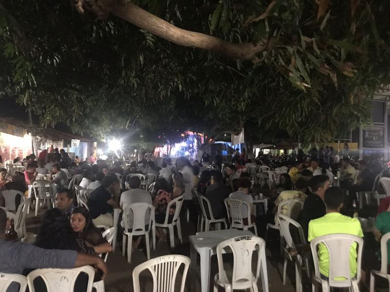Forró Molejo realizou grande seresta nas Barracas em Lagoinha