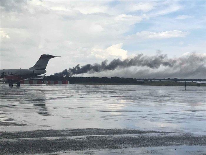 Avião cai no México com mais de 100 pessoas a bordo