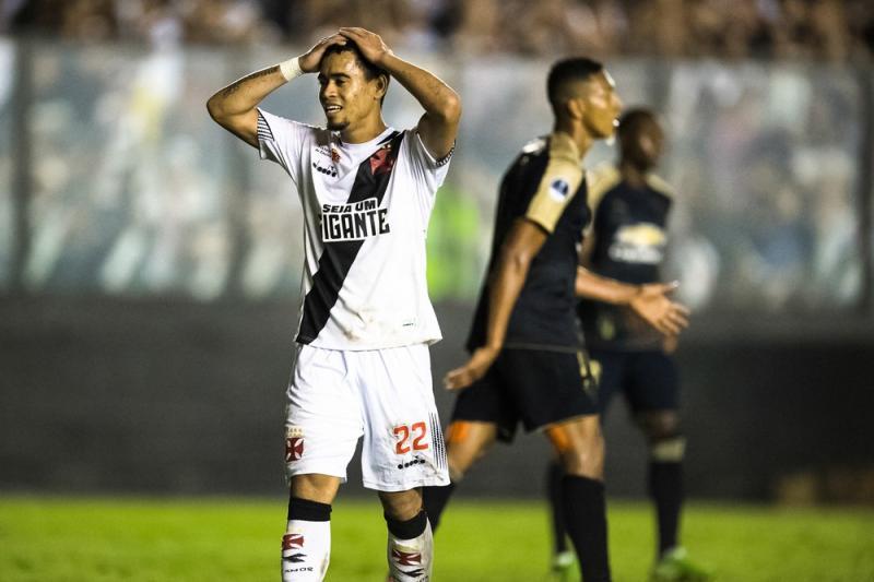 Vasco esbarra em falta de pontaria em mais uma queda em 2018