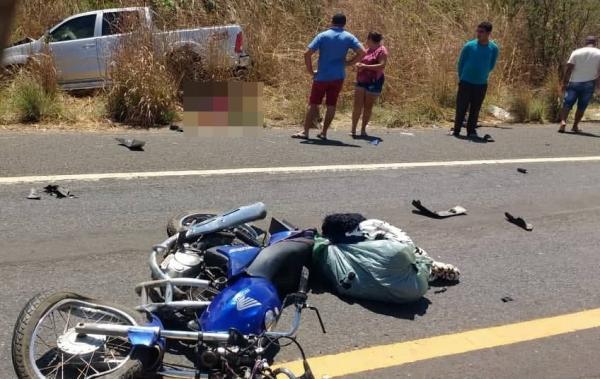 Acidente com vitima fatal na BR 343 entre moto e caminhonete na entrada de Água Branca