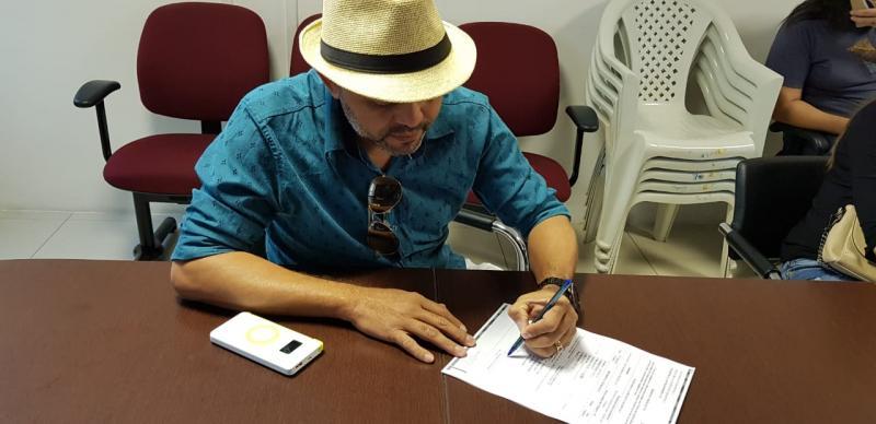 Dr. Adalberto Filho Recebe Camionete para a Secretaria de Saúde do Município