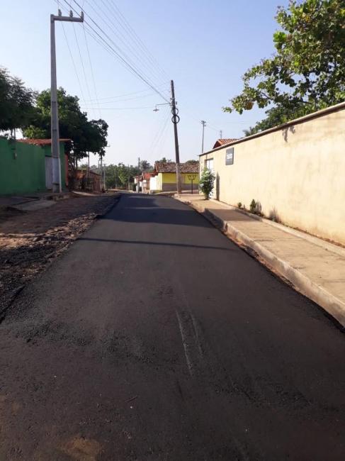 Prefeitura de São Pedro do Piauí realiza obras de asfaltamento na cidade