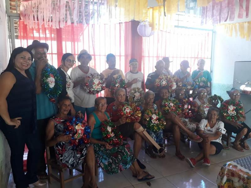 SCFV realiza Oficina de Guirlanda com Grupo de Idosos em Santo Antônio dos Milagres