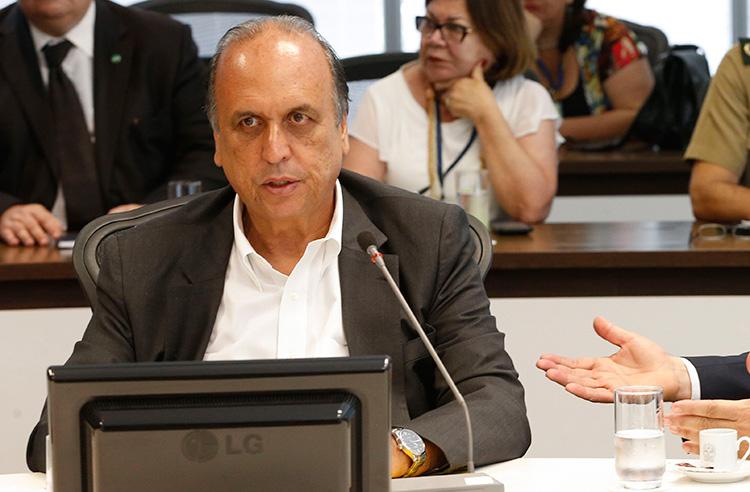 Governador do Rio de Janeiro Pezão é preso em desdobramento da operação Lava Jato do Rio de Janeiro