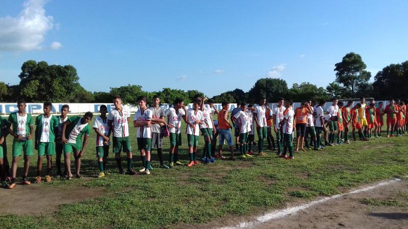 Cidade de Agricolândia recebeu Equipes que fazem Parte da escolinha de Futebol do Fluminense-Pi