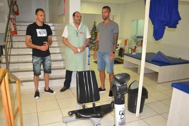 Em Picos, Jogadores Rômulo e Renê Visitam Instalações da Associação Piauiense De Atenção e Assistência Em Saúde