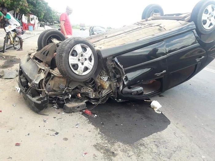 Homem fica ferido após capotar veículo na zona Norte de Teresina