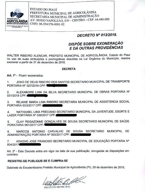 Prefeito Walter Alencar exonera o seu secretariado