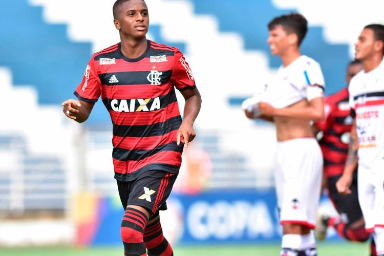 River é goleado pelo Flamengo na estreia na Copa São Paulo de Futebol Júnior