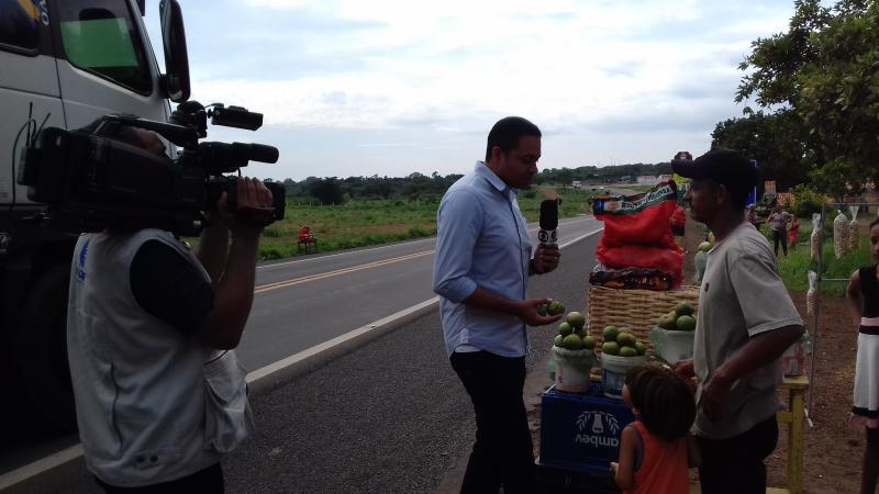 Tv Clube grava matéria em Lagoinha falando da Safra do Pequi