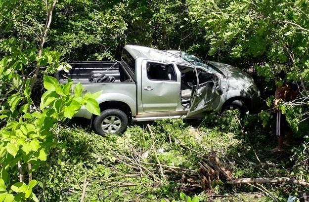 Hilux capota e deixa cinco pessoas feridas no norte do Piauí
