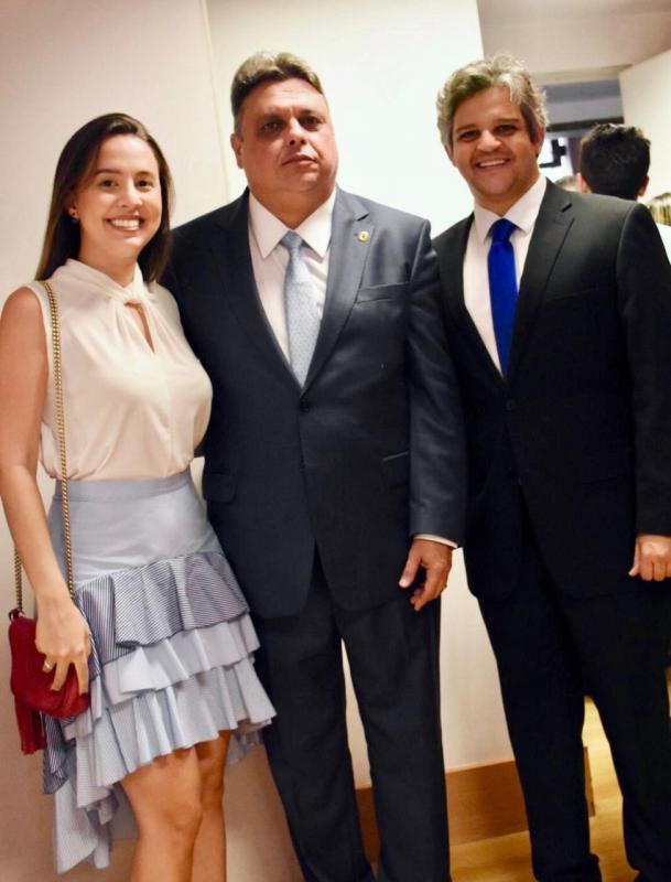 Prefeito Robertinho de Miguel Leão Prestigia a Posse do deputado Estadual Júlio Arco verde