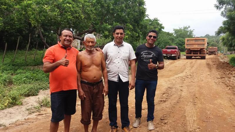 inauguração de estradas na cidade de Curralinhos