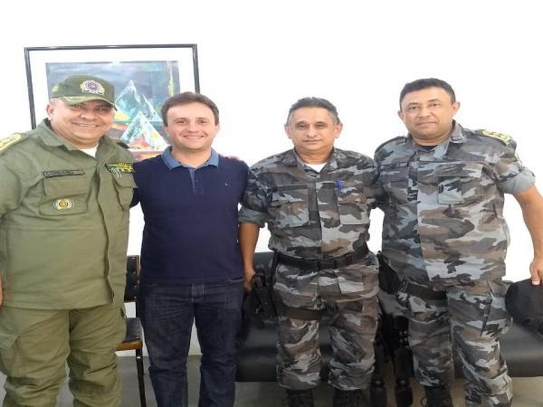 Prefeito Junior Bill se reuniu com o Comandante do 18º BPM para discutir a segurança do Folião no Zé Pereira