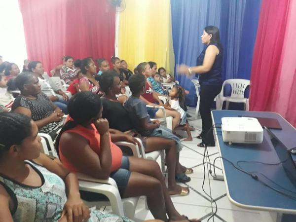 Social de Santo Antônio dos Milagres Realizou Palestras para mães do SCFV