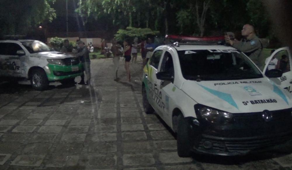 Jovem é assassinado a tiros na frente da namorada na zona Leste de Teresina
