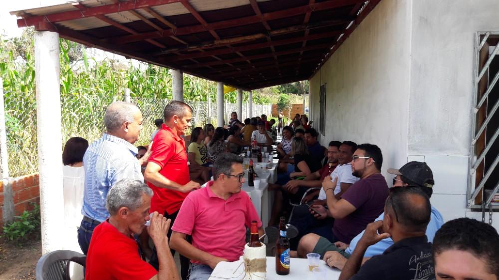 Ex-vereador Pituiba recebe Amigos para Confraternização em Lagoinha do Piauí
