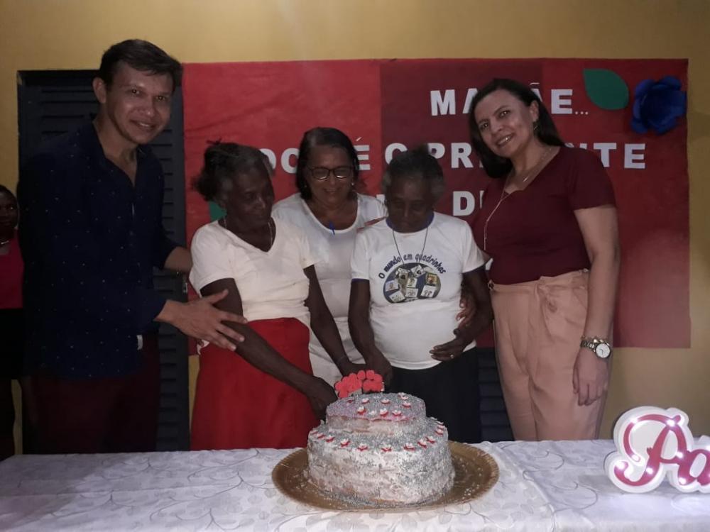Secretaria de Educação de Curralinhos realizou festa para as Mamães