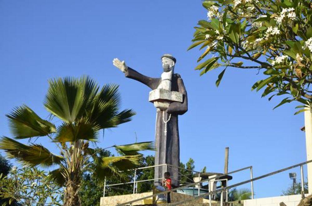 Missa Campal e hasteamento do mastro marcam abertura do festejo de Santo Antônio dos Milagres