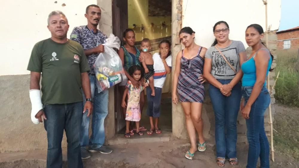 GPM de Agricolândia e Amigos entregaram Cestas Básicas para Famílias
