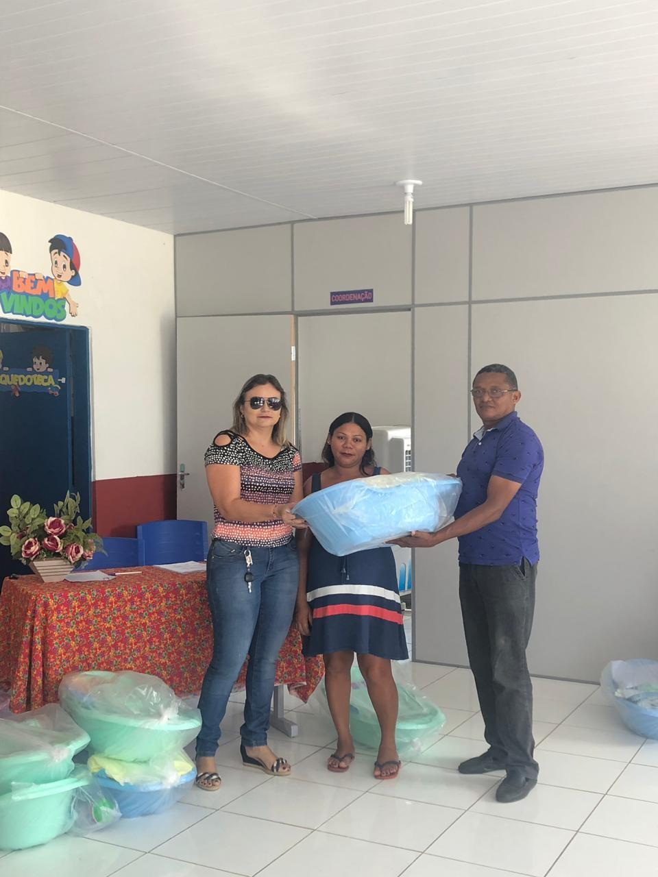 Prefeitura de Agricolândia entrega Enxoval para Mães que são atendidas em programas Sociais