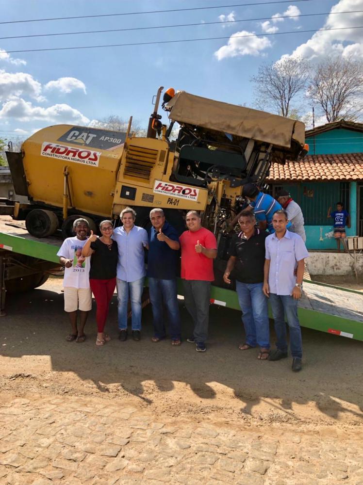 Maquinários chegam a Cidade de Miguel para Obra de Pavimentação Asfáltica na Cidade