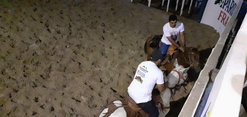 Pega de Boi no Limpo no Parque de Vaquejada Francisco Alencar foi um Sucesso