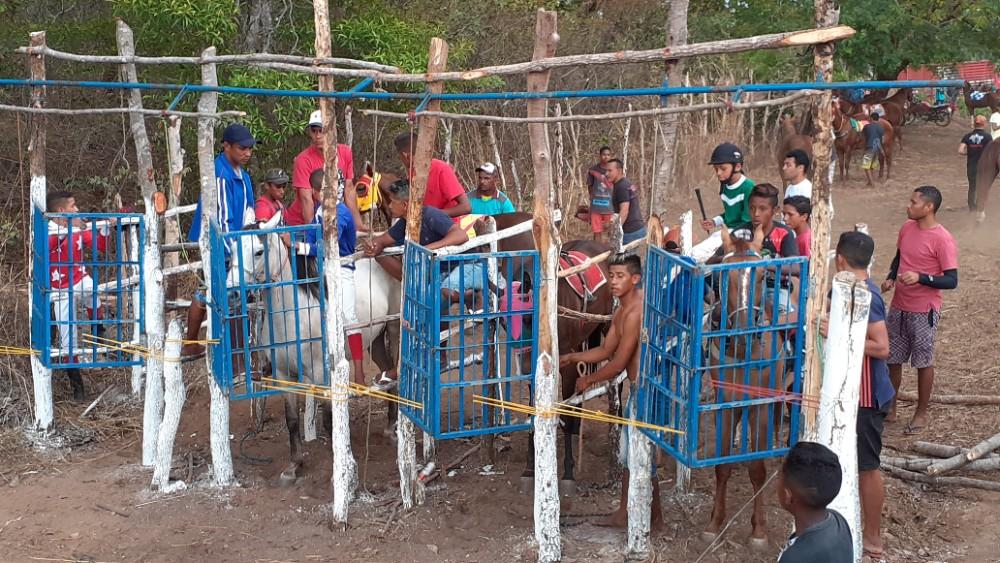 Veja como foi a Tradicional Corrida de Cavalos em Estaca Zero